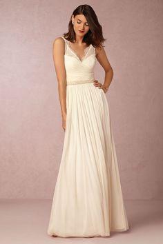 Simple v neck wedding dress for the wedding dresses under $500 roundup