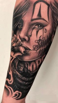 Celebrate Life and Death With These Awesome Day of the Dead Tattoos cool Day of the Dead tattoo © tattoo artist Emink Tattoo Vicenza ❤❤❤❤❤❤ Chicanas Tattoo, Skull Girl Tattoo, Girl Face Tattoo, Clown Tattoo, Forarm Tattoos, Body Art Tattoos, Girl Tattoos, Tatoos, Chicano Tattoos Sleeve