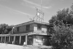 """ PARADISE MOTEL "" in Tucumcari New Mexico   "" Route 66 on My Mind "" http://route66jp.info Route 66 blog ; http://2441.blog54.fc2.com https://www.facebook.com/groups/529713950495809/"