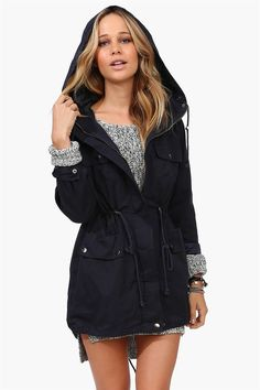This Mercer Street Jacket in Navy is totally something I would sport in the streets! Wetter Im Winter, Mercer Street, Cold Weather Outfits, Feminine Style, Affordable Fashion, Fashion Pictures, Fashion Outfits, Womens Fashion, Passion For Fashion