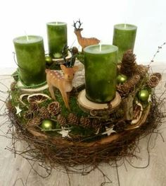 Christmas for all the senses . a freshly scented Christmas wreath, the fresh green of the conifers, the splendor of light . An Advent wreath with a rural, glamorous charm. Centerpiece Christmas, Christmas Advent Wreath, Christmas Candles, Xmas Decorations, Christmas Crafts, Advent Wreaths, Christmas Is Coming, Winter Christmas, Christmas Time