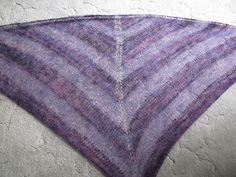 Chris Knits in Niagara: Fleece Artist Lace Shawl, Free Pattern!