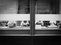 https://flic.kr/p/Dxg4vb | Bakery in Brussels