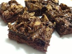 Easy Tailgate Brownie Recipes >> http://blog.diynetwork.com/maderemade/2013/09/20/easy-tailgate-brownies?soc=pinterest