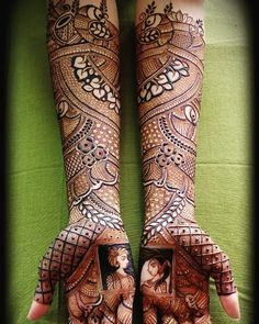 Image may contain: one or more people Arabic Bridal Mehndi Designs, Wedding Henna Designs, Peacock Mehndi Designs, Engagement Mehndi Designs, Indian Mehndi Designs, Henna Art Designs, Mehndi Designs 2018, Modern Mehndi Designs, Bridal Henna