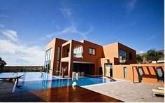 Villa de vacaciones en Adeje, Islas Canarias, España. 8 Dormitorios + 6 Baños + 16 Plazas > http://ow.ly/lQ6Pz #AlwaysOnVacation