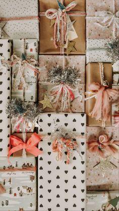 Christmas Mood, Merry Little Christmas, Pink Christmas, Christmas Wrapping, All Things Christmas, Christmas Crafts, Christmas Decorations, Xmas, Whimsical Christmas