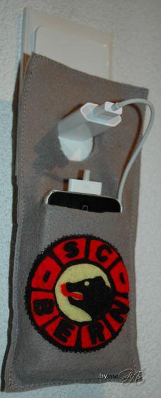 SCB Smartphone Ladetasche Smartphone, Felt, Handmade Gifts, Taschen, Kid Craft Gifts, Felting, Handcrafted Gifts, Hand Made Gifts, Diy Gifts