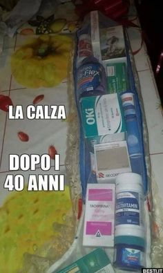 La calza | BESTI.it - immagini divertenti, foto, barzellette, video Italian Humor, Lie To Me, Just Smile, New Years Eve Party, Funny Cute, Sarcasm, I Laughed, Improve Yourself, Haha
