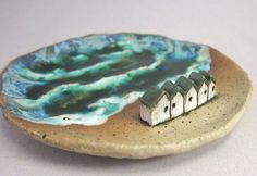 Five Days by the SeaKeepsake Dish or Ring Holder in Stoneware - Cell Phone Ring . - Five Days by the SeaKeepsake Dish or Ring Holder in Stoneware – Cell Phone Ring Stand – Ideas o - Ceramic Soap Dish, Ceramic Clay, Ceramic Plates, Ceramic Pottery, Soap Dishes, Clay Houses, Ceramic Houses, Pottery Houses, Sculptures Céramiques