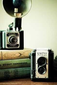 Love these vintage cameras #photography