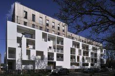 Fachada. Composición de dos fachadas superpuesta.