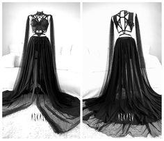 Fashion Mode, Dark Fashion, Gothic Fashion, Style Fashion, Fashion Ideas, Black Wedding Dresses, Prom Dresses, Black Weddings, Wedding Black