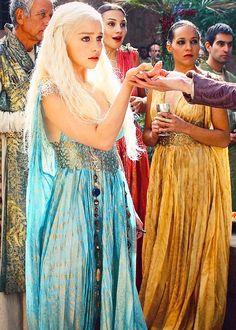 Khaleesi on pinterest daenerys targaryen game of for Daenerys targaryen costume tutorial