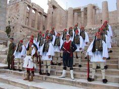 Evzones with Cretans on top of Acropolis. Mykonos, Santorini, Greek Traditional Dress, Empire Ottoman, Classical Greece, Picture Icon, Greek History, Beautiful Costumes, Greek Art