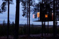Mirror cube tree room at Treehotel