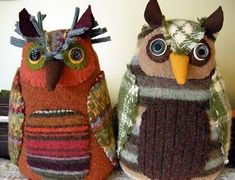 Be Your Friend Forever Owls made by Betz White using Night Friend Owl PDF Pattern by Mimi Kirchner.Owls made by Betz White using Night Friend Owl PDF Pattern by Mimi Kirchner. Sewing Crafts, Sewing Projects, Owl Sewing, Wooly Bully, Owl Fabric, Recycled Sweaters, Owl Always Love You, Old Sweater, Owl Crafts