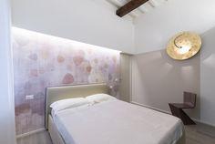 Moderne slaapkamer met rustieke houten balken | Slaapkamer ideeën