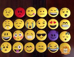 Cupcakes de cookies and cream #emoticons #emoticones