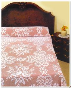 Crochet Knitting Handicraft: Bedspread Filet Crochet