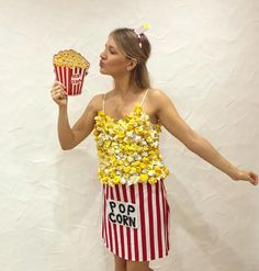 Inspiration & accessories for your DIY Popcorn halloween costume Idea #popcorn #costume #costumeideas #popcorncostume #halloweencostumes #diyhalloweencostumes #halloweencostumeideas #lastminutecostumes #halloweencostume #diycostumes #kidscostumes #diypopcorncostume #popcornboxcostume #popcornbox #lastminutehalloweencostumes #costumes #diyhalloweencostumeideas #easycostumes #costumeideasforhalloween #halloween #groupcostume #doityourself #diycostume #diytutorial #costumeidea #costumediy Last Minute Halloween Costumes, Easy Costumes, Halloween Shirt, Halloween Diy, Costume Ideas, Happy Halloween, Halloween Costume Accessories, Halloween Fashion, Pop Corn Costume