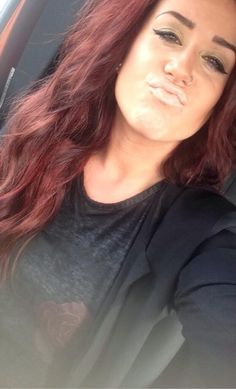 Chelsea from Teen Mom 2 I'm obsessed with her hair color! Diy Hairstyles, Pretty Hairstyles, Wedding Hairstyles, Burgendy Hair, Auburn Hair, Auburn Red, Red Hair Don't Care, Henna Hair, Girly