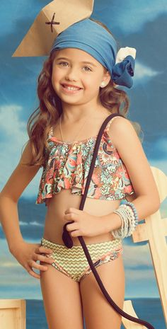 The Maaji Swimwear kids Garden Animal swimsuit comes with a top and bottom. The kids swimwear top is a flounce top that is lined and has over the shoulder straps. The Maaji swimwear kids swimsuit bottom is reversible. Tween Girls, Kids Girls, Cute Girls, Little Girl Outfits, Cute Outfits, Kids Swimwear, Swimwear 2014, Girls Swimming, Swimming Suits