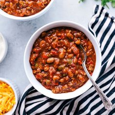 Spicy Chili Recipe For Crock Ingredient Sweet Spicy Crock Pot Meatballs! Queso Crockpot Chicken Chili With Roasted Corn And . Spicy Chilli Recipe, Spicy Crockpot Chili, Beef Chili Recipe, Chilli Recipes, Sausage Crockpot, Bush Bean Chili Recipe, Sweet And Hot Chili Recipe, Chili Magic Recipe, Food Dinners