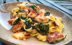 Quinoa Salad Recipes Easy, Healthy Chicken Recipes, Easy Healthy Recipes, Pasta Recipes, Vegetarian Recipes, Halloumi Pasta, Cauliflower Rice Risotto, Zucchini Curry, Red Beans Recipe