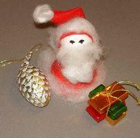 Weihnachtsmann aus Papier und Filz basteln.
