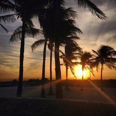 самый тусрвый пляж - South Beach in Miami Beach, FL