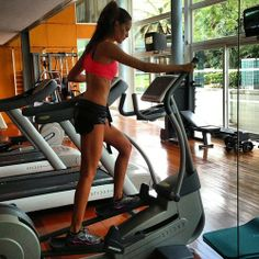 Fitspo, this is what i wanna look like when im working out in college