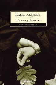 """Esta es la historia de una mujer y de un hombre que se amaron en plenitud, salvándose así de una existencia vulgar. """"La he llevado en la memoria cuidándola para que el tiempo no la desgaste, y es sólo ahora cuando puedo finalmente contarla. Lo haré por ellos y por otros que me confiaron sus vidas para que no las borre el viento..."""". Estas bellas palabras proporcionan la clave de un libro en el que la imaginación y realidad discurren al mismo nivel. Segunda novela de Isabel Allende, De amor…"""