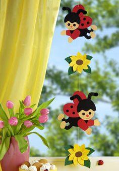album Archive - New Deko Sites Bug Crafts, Preschool Crafts, Easter Crafts, Felt Crafts, Diy And Crafts, Crafts For Kids, Diy Classroom Decorations, Safari Decorations, School Decorations