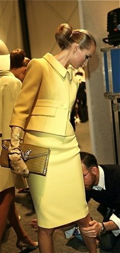 Classically tailored yellow suit (Valentino)