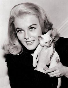 ANN MARGRET WITH HER CAT