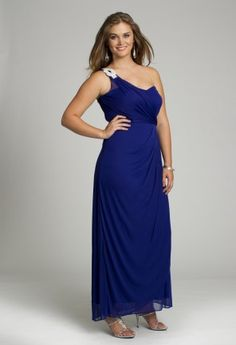 Your one-stop boutique to all things chic in prom dresses, homecoming dresses, and wedding dresses!Price - $139.99-elyyya7T