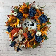 Diy Fall Wreath, Holiday Wreaths, Fall Diy, Wreath Ideas, Mesh Wreaths, Holiday Decor, Fall Door Decorations, Thanksgiving Decorations, Blue Fall Decor