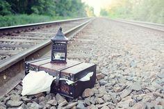 vintage-themed-toddler-fashion-shoot-at-train-train-tracks-eye-candy-photography-08.jpg (500×333)