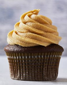 Best Fluffy Peanut Butter Frosting | tarateaspoon