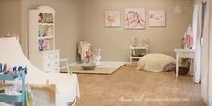I am super excited to share my newly remodeled newborn studio.I am so thankful for my family that has spent the past week working so hard to help me create this beautiful space!!My studio is located in the Historic Camp Evers shopping center is Scotts Valley, CA. I am a quick 25-20 minute drive…