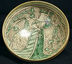 Medieval Italian Archaic Majolica reproduction Large Bowl with Queen.  Medieval Italian Pottery  at www.medievalmudpies.com
