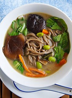 Hearty One-Pot Meal Miso Soup from Fat Free Vegan Kitchen Soup Recipes, Whole Food Recipes, Vegetarian Recipes, Cooking Recipes, Healthy Recipes, Paella, Fat Free Vegan, Miso Soup, Soba Soup