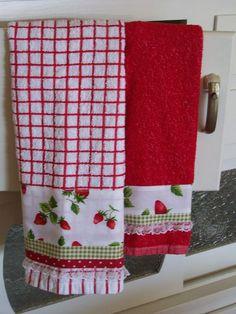 Strawberry towel set for kitchen decor Kitchen Decoration strawberry kitchen decor Fabric Crafts, Sewing Crafts, Sewing Projects, Diy Crafts, Sewing Ideas, Strawberry Kitchen, Dish Towels, Hand Towels, Tea Towels