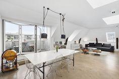 muebles de diseño moderno ático Eames Lounge con el Ottoman distribución abierta blog decoración nórdica ático diáfano atico danés