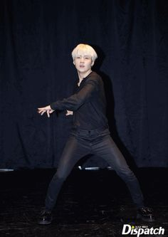 "Suga ❤ BTS X STARCAST! ""This is, Best Of GIFs""...BTS', choreo you should save~ (Original article on: m.star.naver.com) #BTS #방탄소년단"