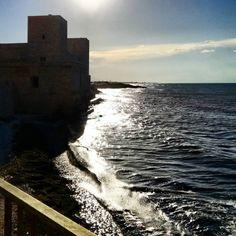 La luce del sole, quando incontra il mare... 🌅🌊💗😍 #view #waves