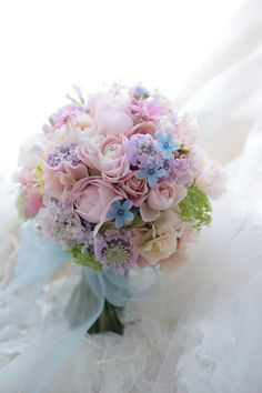 Irresistible Your Wedding Flowers Ideas. Mesmerizing Your Wedding Flowers Ideas. Beautiful Flower Arrangements, Wedding Flower Arrangements, Beautiful Flowers, Floral Arrangements, Bridal Flowers, Flower Bouquet Wedding, Floral Wedding, Bride Bouquets, Floral Bouquets