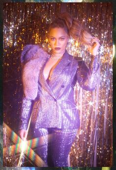 Beyoncé rang in her birthday like the true queen that she is. the singer shared a number of never-before-seen photos Moda Disco, Style Beyonce, Beyonce 2013, Foto Fantasy, Disco Party, Purple Aesthetic, Beyonce Knowles, Queen B, Popsugar