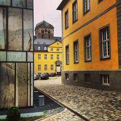 Folkwang Universität der Künste, Essen-Werden, NRW, Germany • Photo by stoeckidsign